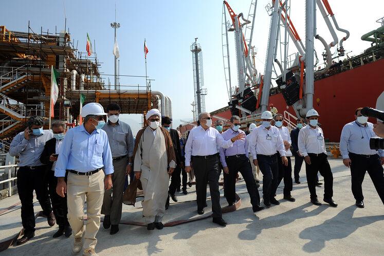 بازدید جواد اوجی، وزیر نفت از تأسیسات بندر پارس ۲ (تنبک)/ روز جمعه ۱۲ شهریورماه