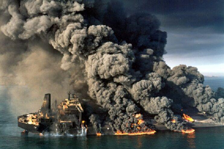 جزیره خارک؛ هسته مرکزی تأمین مالی ۸ سال دفاع مقدس