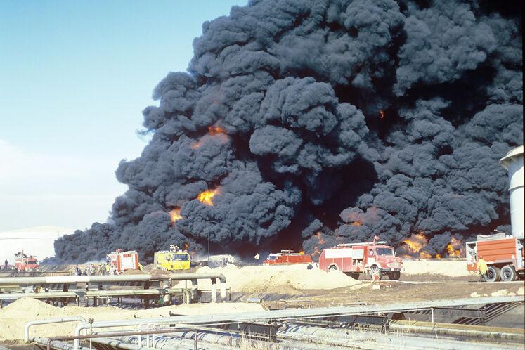 بمباران پالایشگاه نفت تهران در دوران جنگ، سال ۱۳۶۶
