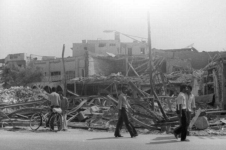 تخریب منازل مسکونی منطقه زیتون در اهواز، بمباران زمان جنگ