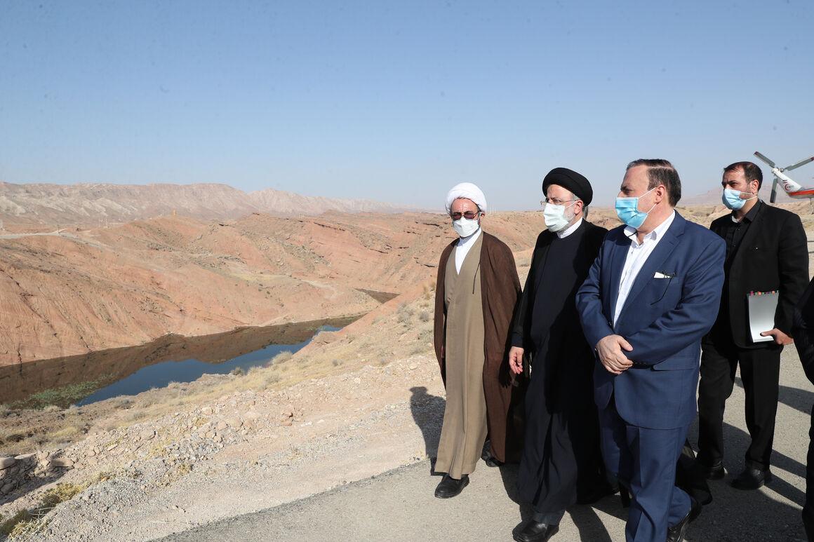 رئیسجمهوری بر تکمیل پروژههای نیمهتمام تأکید کرد