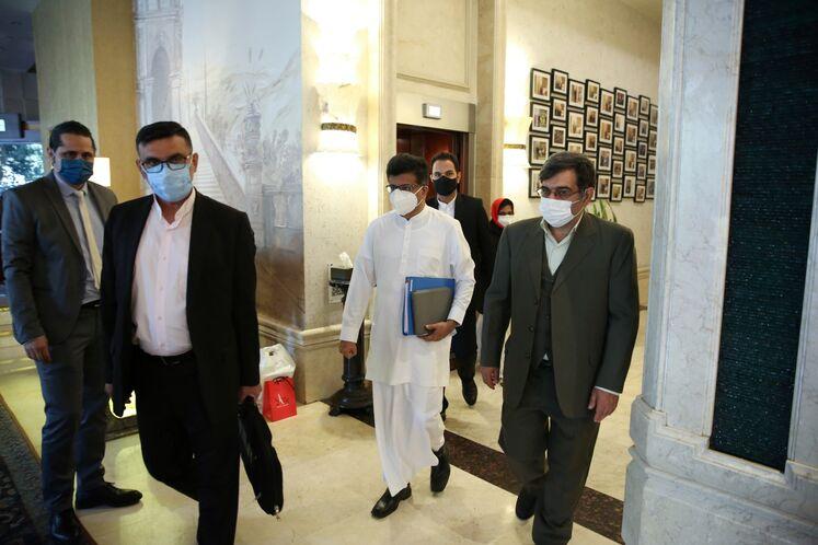 بازدید وزیر انرژی سریلانکا از موزه پمپبنزین دروازه دولت