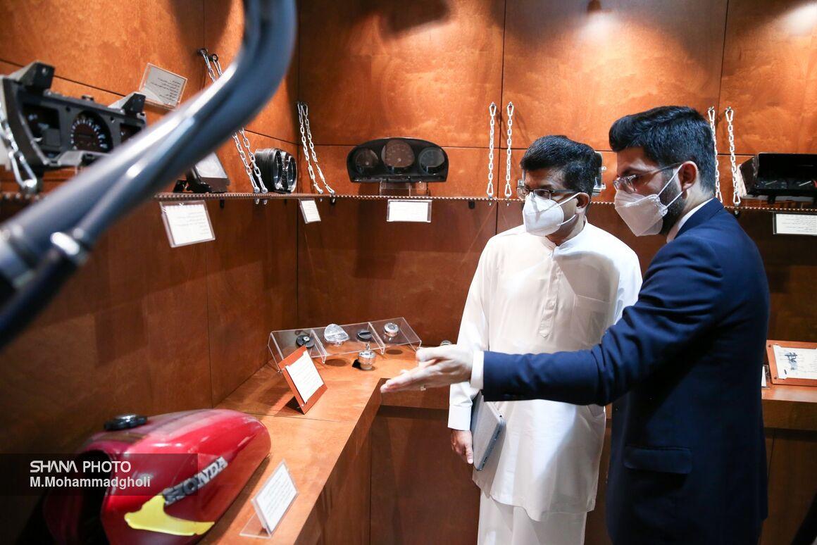 Sri Lankan Energy Minister Visits Darvazeh Dowlat Petroleum Museum