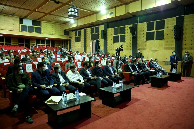 حضور وزیر نفت در شورای اداری شهرستان جم
