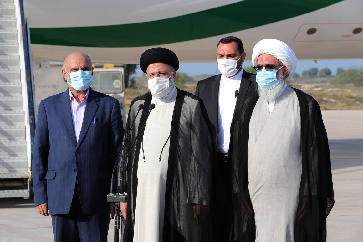 ضرورت توسعه صنعت نفت، گاز و پتروشیمی در استان بوشهر