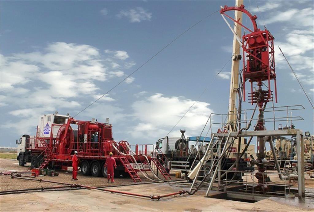 تحقق اسیدکاری چاه نفتی با اسید امولسیونی ۳ فازی
