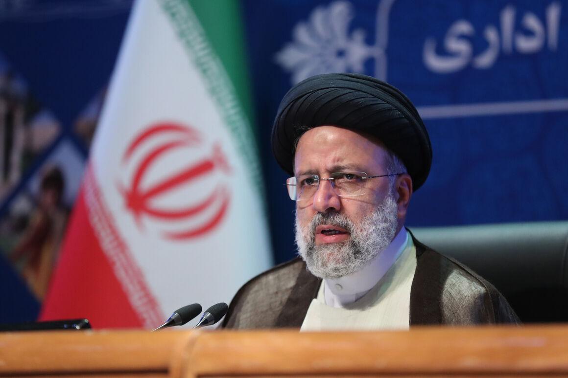 استقبال رئیسی از رویکرد وزارت نفت در زمینه مسئولیت اجتماعی/ دعوت از سرمایهگذاران ایرانی برای مشارکت در طرحهای پتروشیمی فارس
