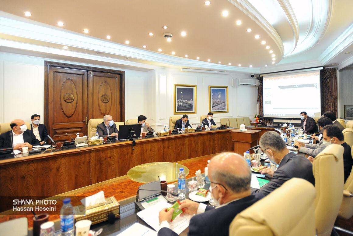 نشست شورای معاونان وزارت نفت با حضور اوجی