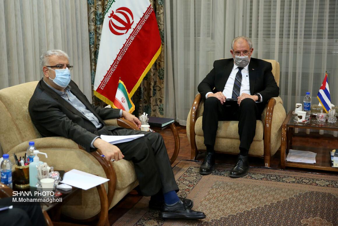 دیدار وزیر نفت با سفیر کوبا در تهران