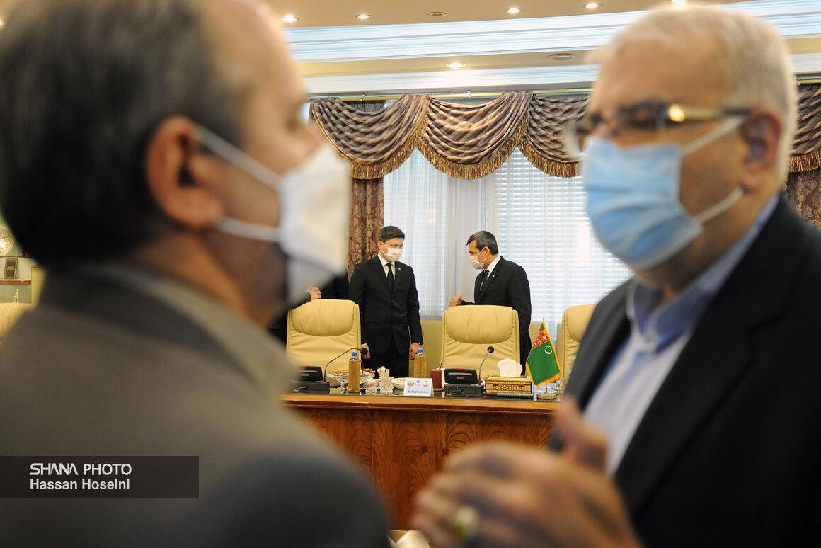 وزیر امور خارجه ترکمنستان به دیدار وزیر نفت آمد