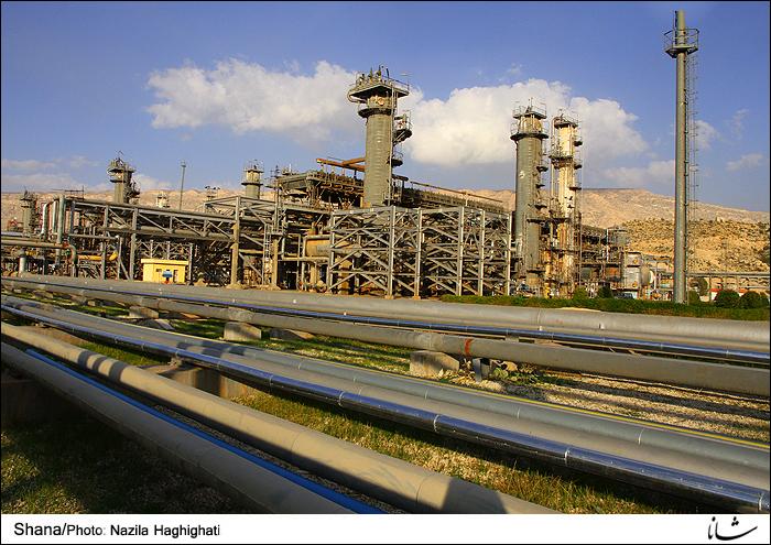 Refinery Treats More Gas