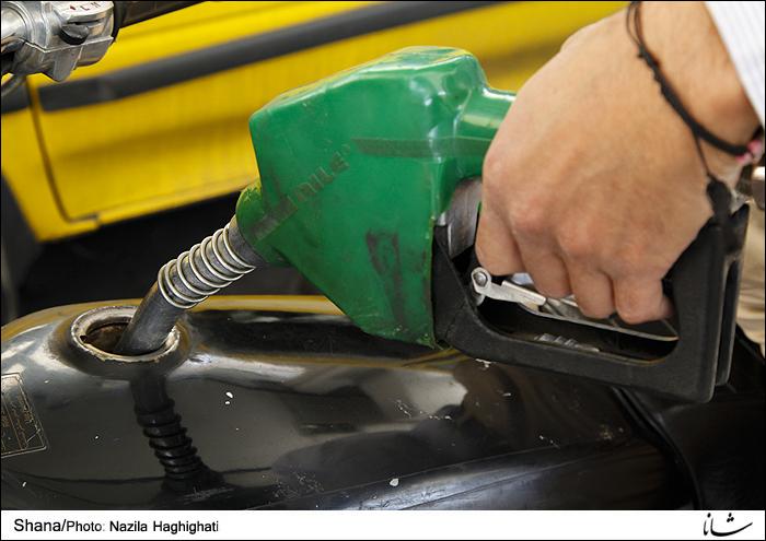 عملیات توزیع سوخت بدون وقفه و شبانهروزی انجام میشود