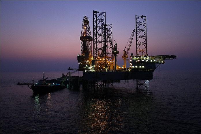جذب سرمایه برای توسعه میدانهای مشترک اولویت صنعت نفت است