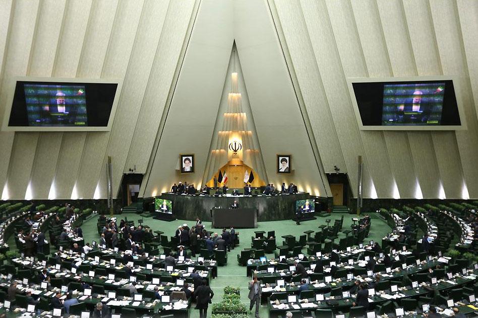 اعلام آمادگی مجلس برای تصویب لوایح توسعه صنعت پتروشیمی