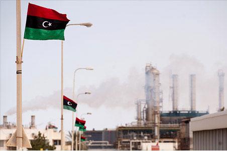 محاصره نفتی نیمی از تولید لیبی را متوقف میکند