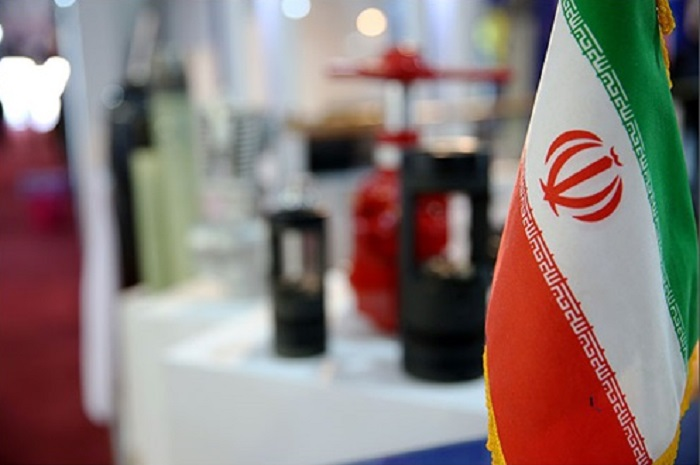 Iran Gas Refinery Displays Products in Russia