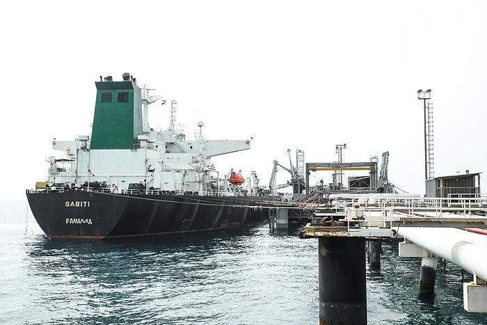 صادرات نفت ایران هیچگاه متوقف نمیشود