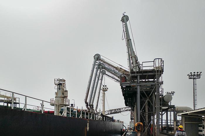 فعالیتهای توسعهای صنعت نفت در سال جهش تولید تداوم دارد