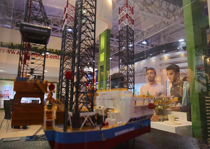 نمایشگاه نفت امسال را جدیتر بگیریم