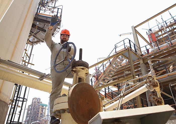 بانک اطلاعاتی کارکنان پیمانکار وزارت نفت ایجاد شد