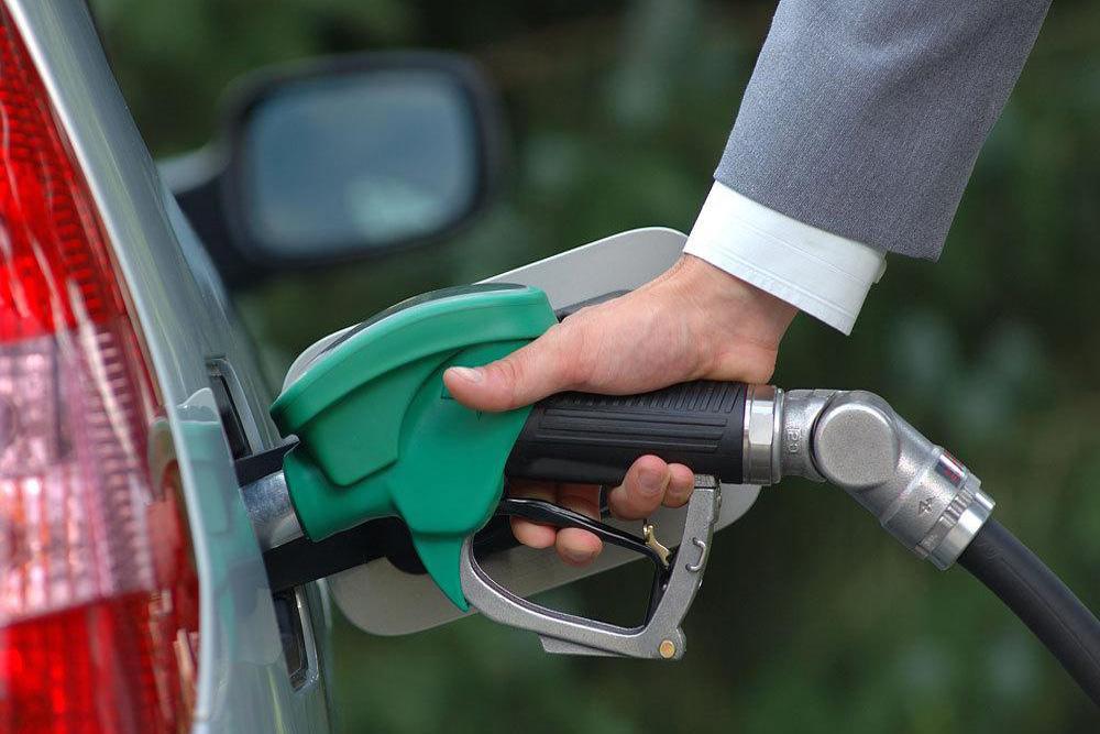 فرصت صادرات به جای هزینه قاچاق بنزین