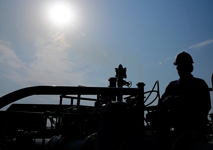 تلاش معاونت نیروی انسانی شرکت ملی نفت برای رفع دغدغههای کارکنان مناطق عملیاتی