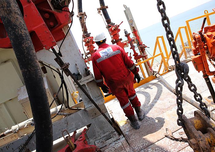 حفر ۱۰ حلقه چاه نفت و گاز توسط دکل ۳۶ فتح