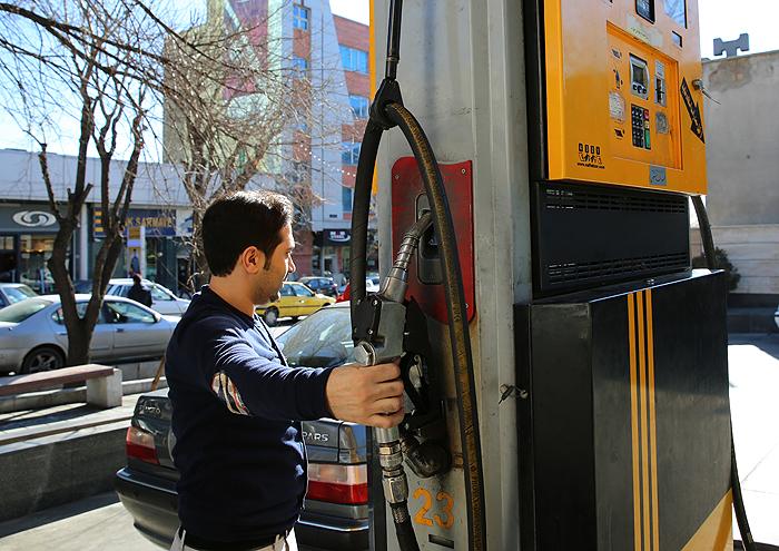 ثبت رکورد تاریخی مصرف حدود 136 میلیون لیتر بنزین در روز پایانی سال 97