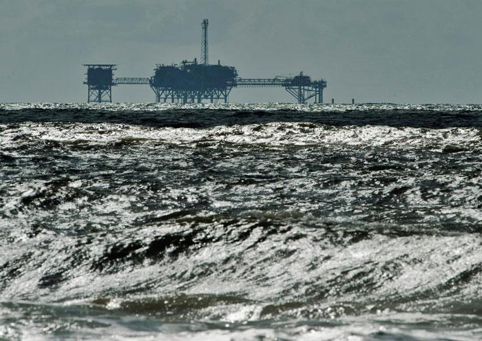 ۷۰ درصد تولید نفت آمریکا در خلیج مکزیک تعطیل شد