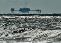 توقف فعالیت در تأسیسات ذخیرهسازی نفت آمریکا به دلیل قطع برق