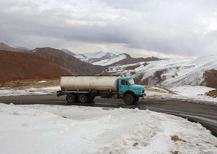 ذخیرهسازی مطلوب سوخت زمستانی در مناطق سختگذر خراسان شمالی