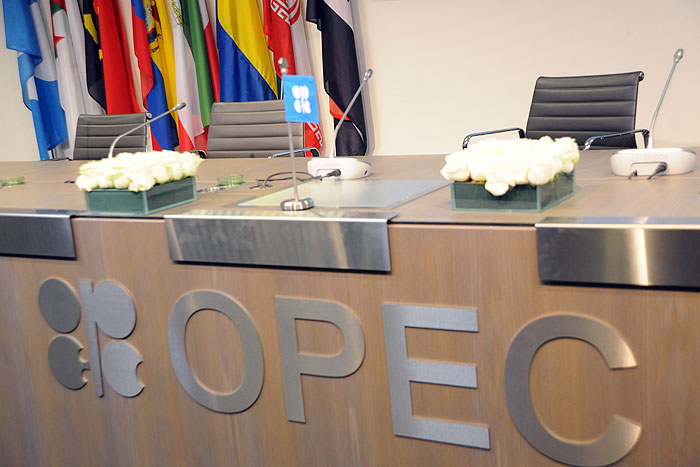 کار اوپک برای توازن بازار نفت هنوز تمام نشده است