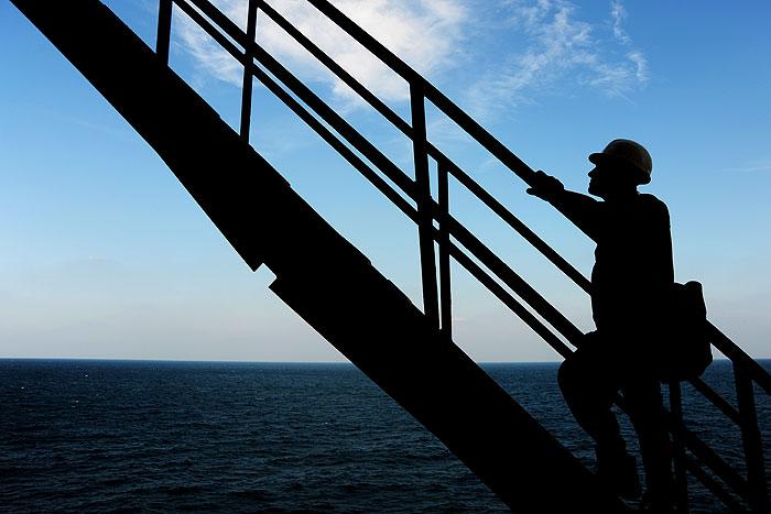 مطالعات جامع مخازن نفت و گاز با همکاری شرکتهای مشاور داخلی